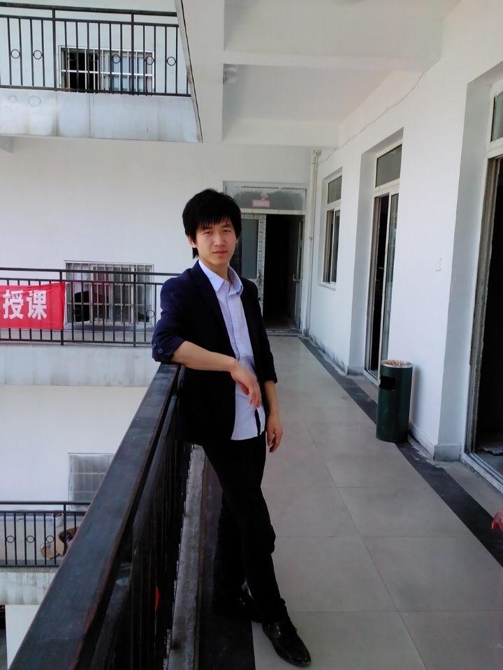首页 师资团队 色彩教研组  0-0 老师介绍  武汉